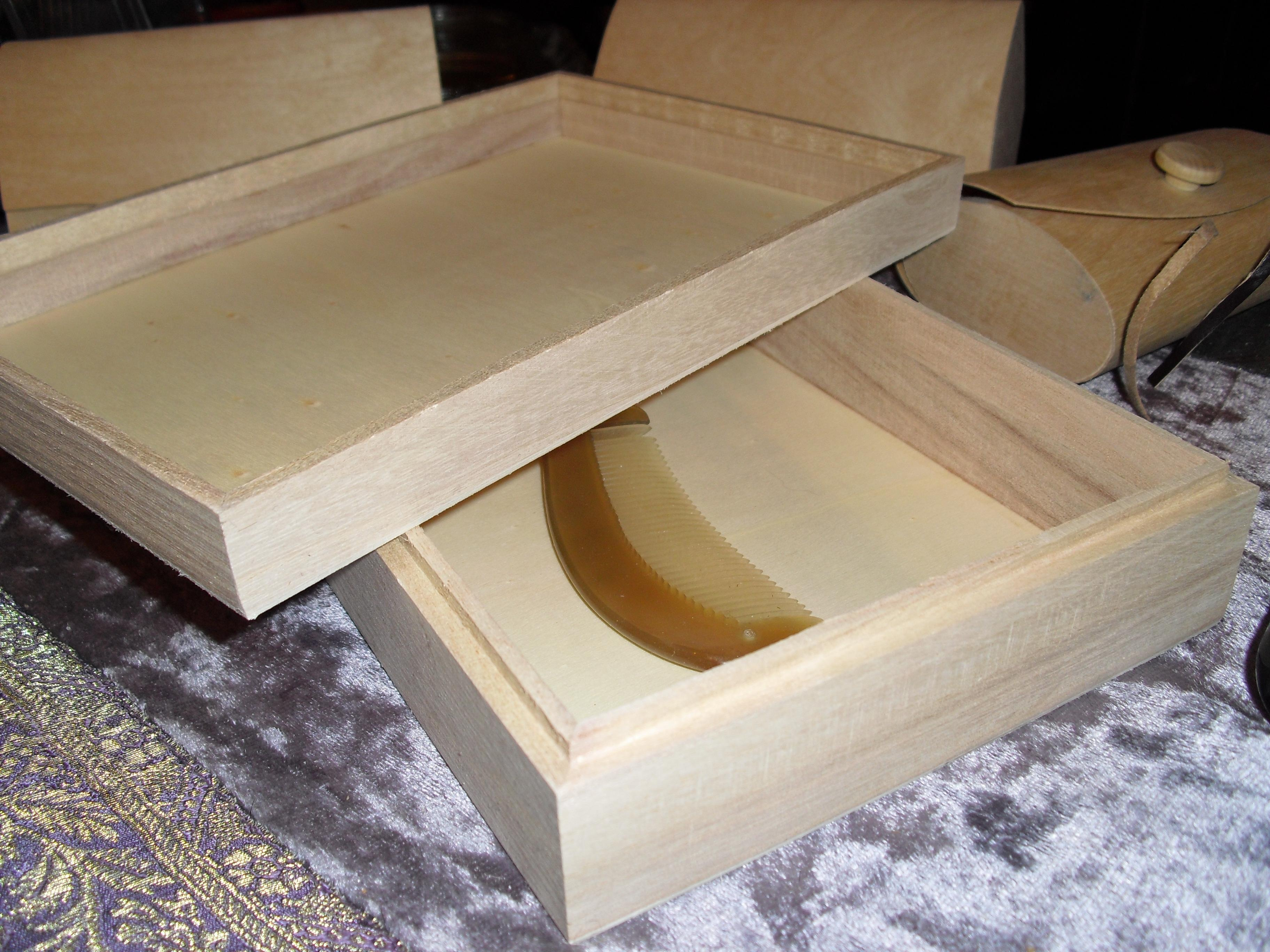 Whitewood Horn Combs n Clips Storing Box